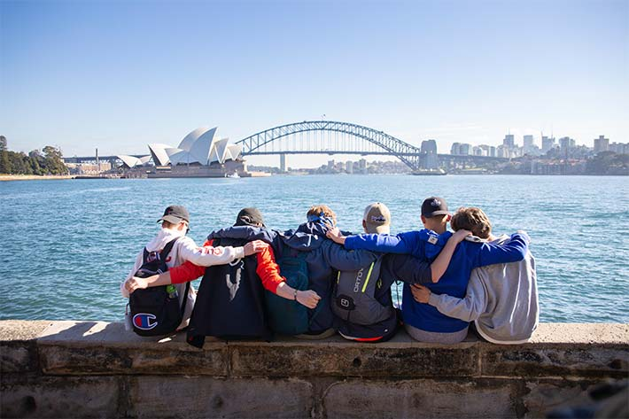 Students outlooking the Sydney Harbour